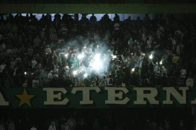 CORXIRA - CURITIBA - 08/04/2010 - FUTEBOL