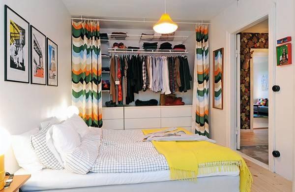 Guarda-roupa sem portas. Crédito: Pinterest / ideiasdefimdesemana.com.