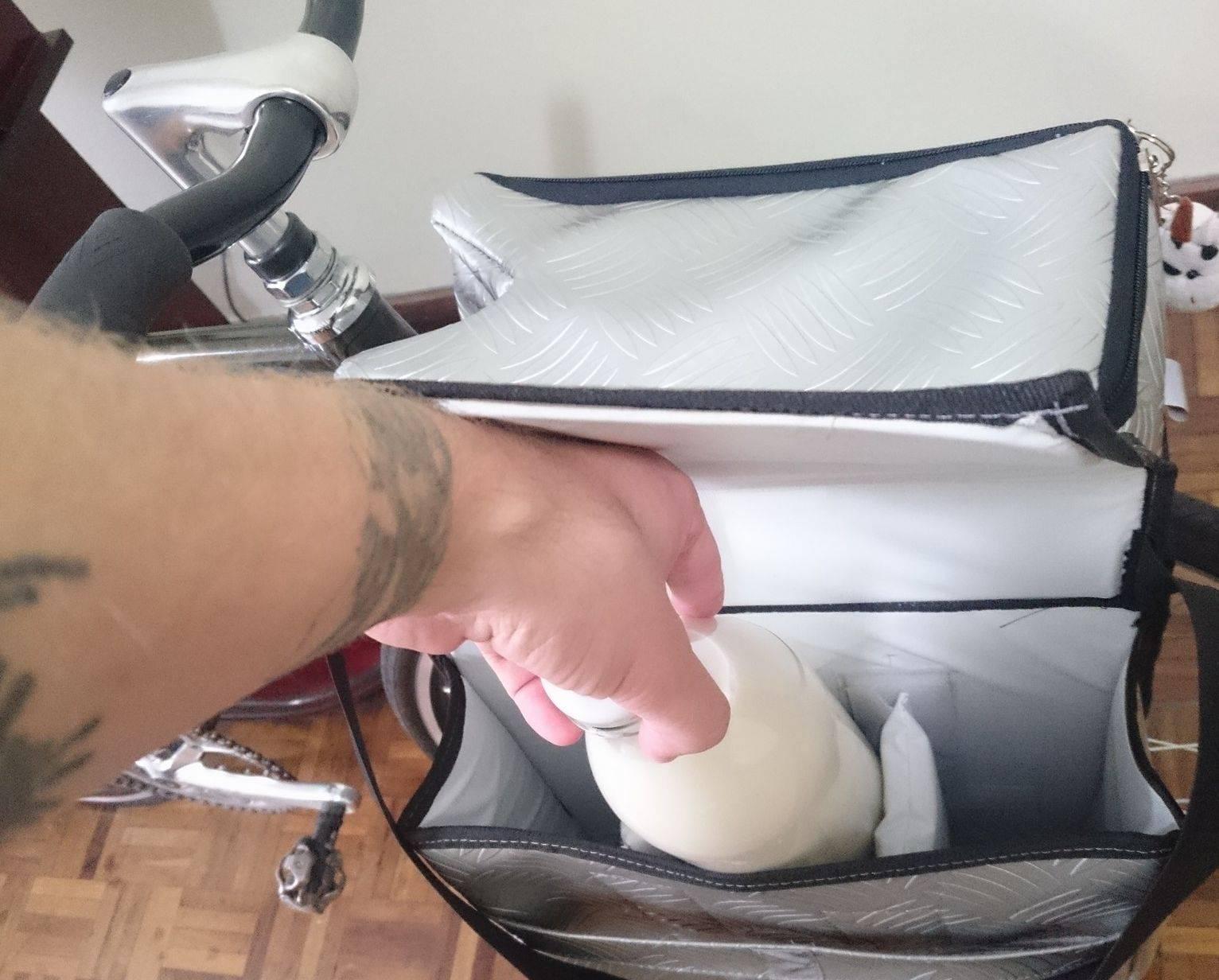 A Coliflor Vegan entrega leite vegetal de bicicleta sem custo adicional. Foto: Reprodução/Facebook