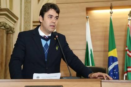 """Thiago Ferro autor do projeto também propôs a  """"Escola sem Partido"""". Foto: Chico Camargo/CMC."""