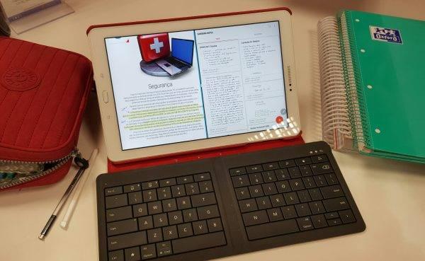 Como uso o recurso de tela dividida em tablets