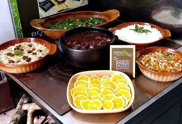 Feijoada da GastroVeg em evento anterior. No Coletivo Ocitocina será em prato pronto. Foto: Reprodução/Facebook