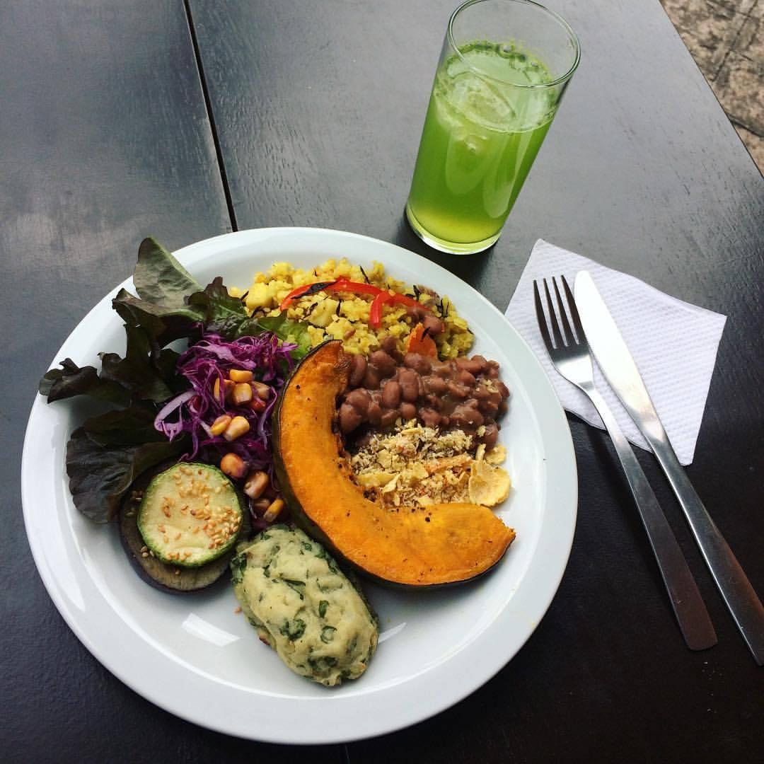 O restaurante Veg & Tal atende de 20 a 30 pessoas por dia, sendo a maioria onívoros que saem elogiando a comida. Foto: Reprodução/Facebook