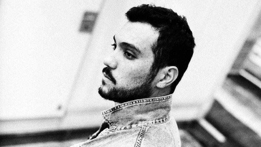 The Old Door é o novo álbum do HNQO. Confira a entrevista exclusiva com o produtor curitibano.