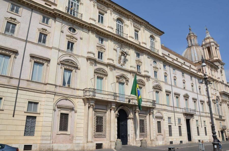 Fachada da embaixada do Brasil em Roma