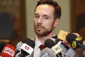 Na Câmara, secretário vai apresentar redução de 7% nos gastos com pessoal ativo e recuperação da liquidez de caixa do município (Foto: Antonio More/Gazeta do Povo)