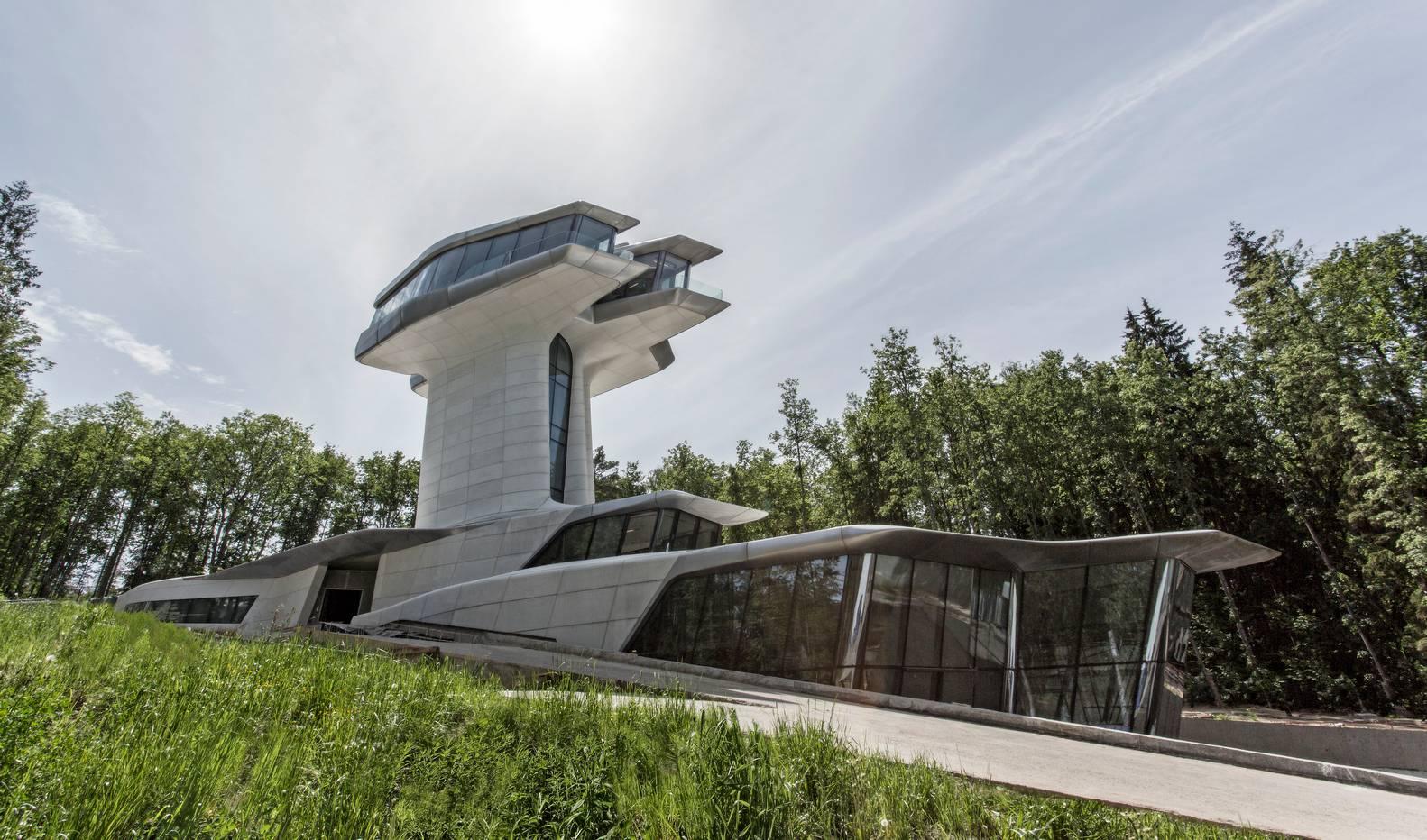 A Capital Hill Residente se eleva 22 metros e aproveita a vista sensacional da floresta. (crédito: divulgação/OKO Group)