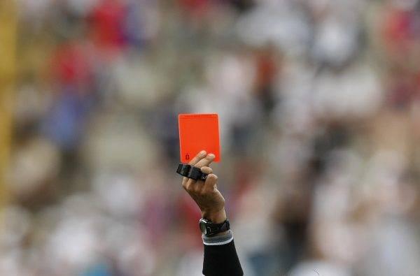 Cartão vermelho: ranking de arbitragem no Brasileirão, segundo a CBF.