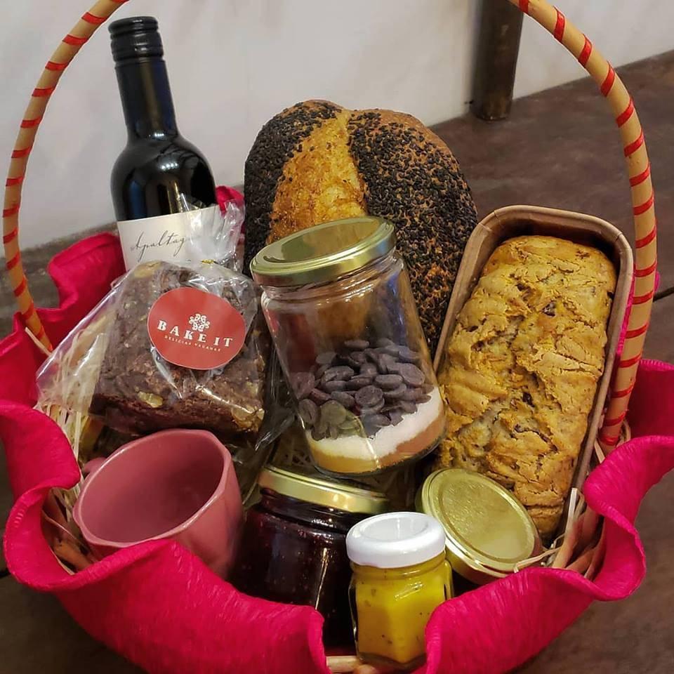 Cesta de café da manhã da Bake It para o dia dos namorados. Foto: Divulgação