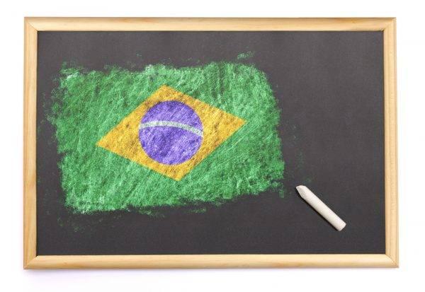 Educação para a cidadania: quando inserir na formação de crianças e jovens contextos sociopolíticos e econômicos