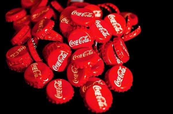 """A Coca-Cola vai deixar o Brasil? A que ponto chegou a disputa pelo """"bolsa-refrigerante"""""""