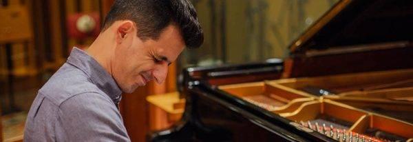 O novo CD de Diogo Monzo: um pianista sem fronteiras