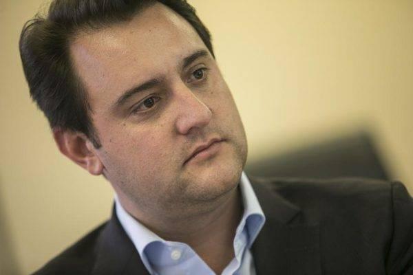 Osmar saiu, mas Ratinho continua patinando no mesmo teto de votos