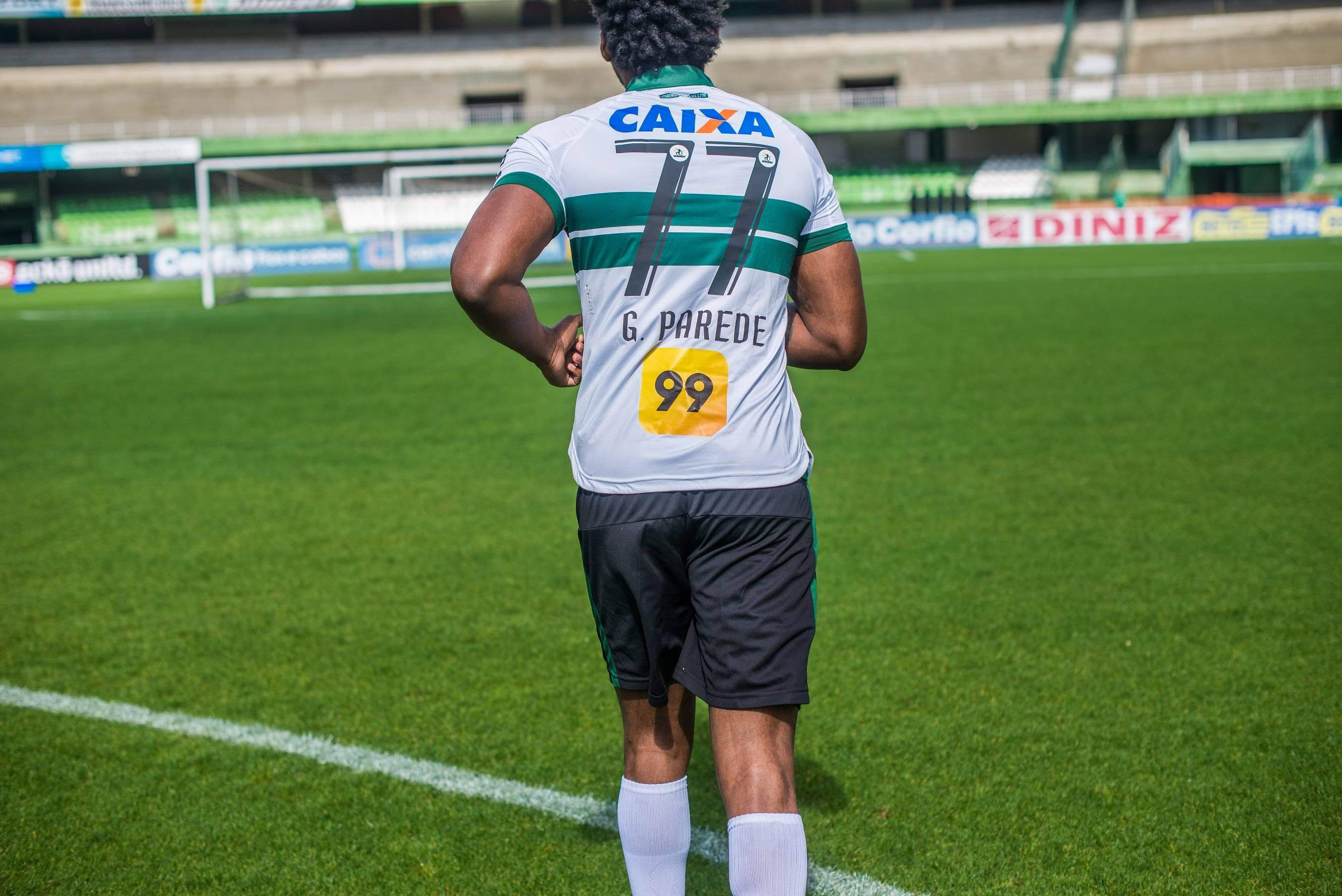 Novo patrocinador do Coritiba na camisa.