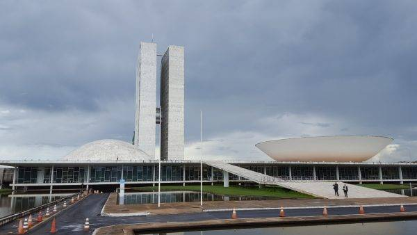 "O que esperar do ""novo"" MDB no Congresso?"