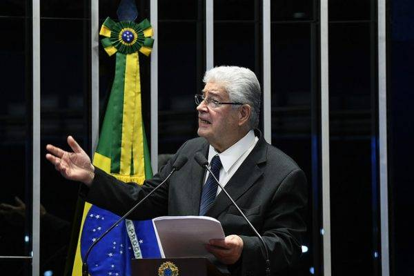 Senador Roberto Requião (MDB-PR). Foto: Marcos Oliveira/Arquivo Agência Senado