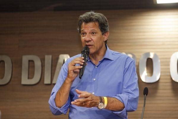 Fernando Haddad, candidato do PT, ainda defende Lula.