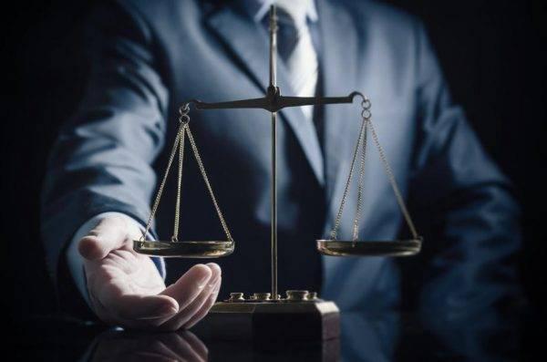 Pagamento de penduricalhos a juízes, procuradores e parlamentares pesa no bolso do contribuinte. Foto: Bigstock