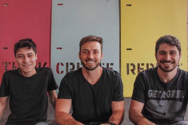 Douglas de Lara, Eduardo Dória e Filipi Alarcan, fundadores da startup Zimobi. Foto: Divulgação
