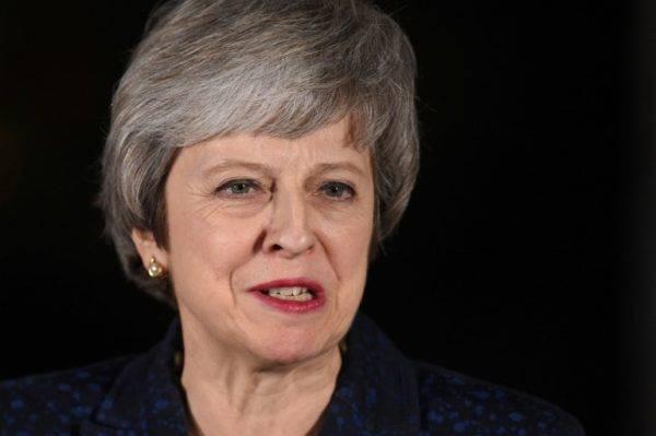 A primeira-ministra Theresa May faz um pronunciamento após vencer o voto de confiança, em Londres, 12 de dezembro. Foto: Oli SCARFF / AFP