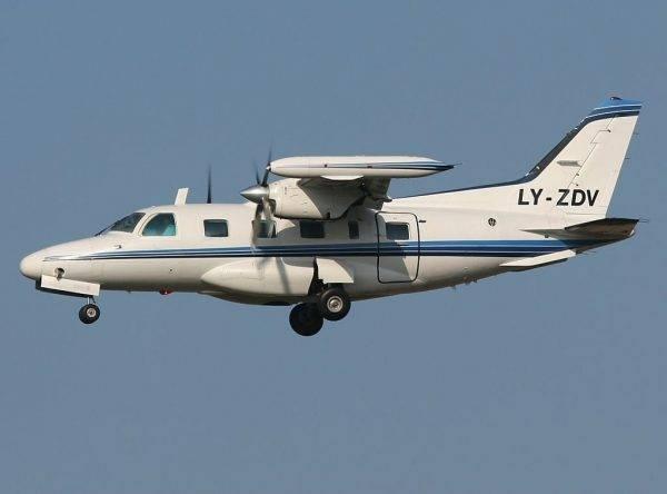 Avião bimotor Mitsubishi do mesmo modelo usado pelo senador Acir Gurgacz: R$ 133 mil para abastecer a aeronave, com dinheiro público. Foto: Alan Lebeda/Wikipedia.