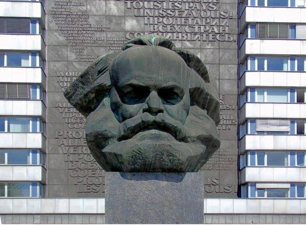 Reminiscências de Marx – 1: a biblioteca peregrina