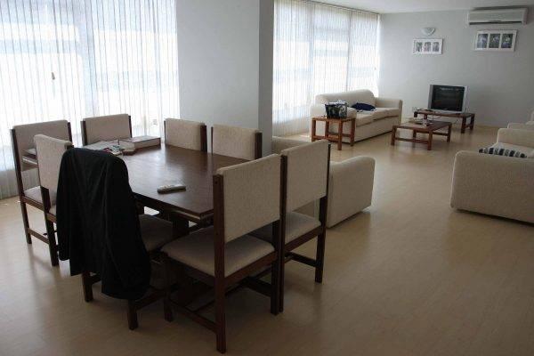 Vista da sala de um apartamento funcional da Câmara dos Deputados. Foto: Wenderson Araujo/Gazeta do Povo/Arquivo.