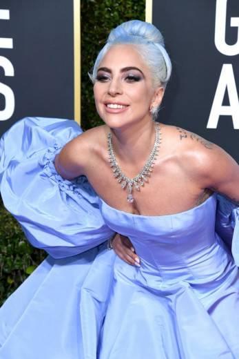 Lady GaGa optou por um vestido Valentino para a cerimônia. (crédito: divulgação).