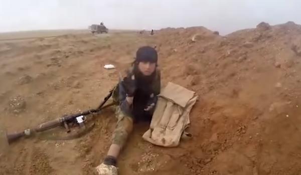Vídeo de extremistas do Estado Islâmico em combate contra forças curdas. Reprodução/Youtube