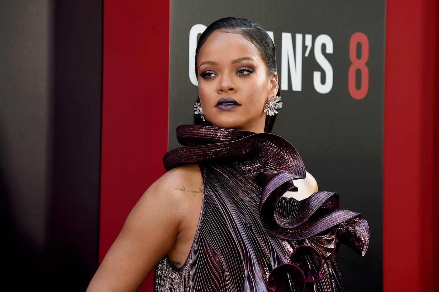 A nova marca de luxo deve ser lançada paralelamente ao novo album de Rihanna. (crédito: Reprodução/Jamie McCarthy/ Getty Images).