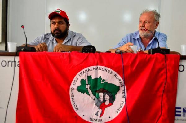 São Paulo - Os coordenadores do Movimento dos Trabalhadores Rurais Sem Terra (MST), João Paulo Rodrigues e João Pedro Stedile, apresentam o balanço de 2015 e as perspectivas  para o ano (Rovena Rosa/Agência Brasil)