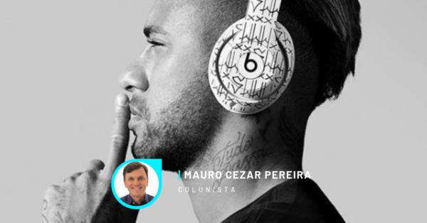 Neymar faz pose no Instagram.