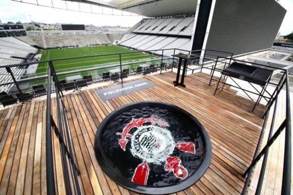 """Corinthians cria novo tipo de torcedor nutella: o """"é piscininha, amor"""""""
