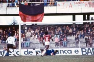O futebol daquela época não era em preto e branco como pode parecer. Mais uma do mesmo Atletiba.
