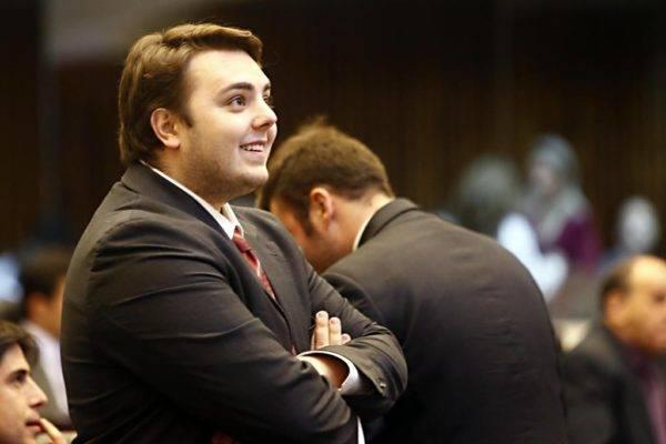 Felipe Francischini no plenário da Assembleia Legislativa do Paraná (Foto: Albari Rosa/Gazeta do Povo)