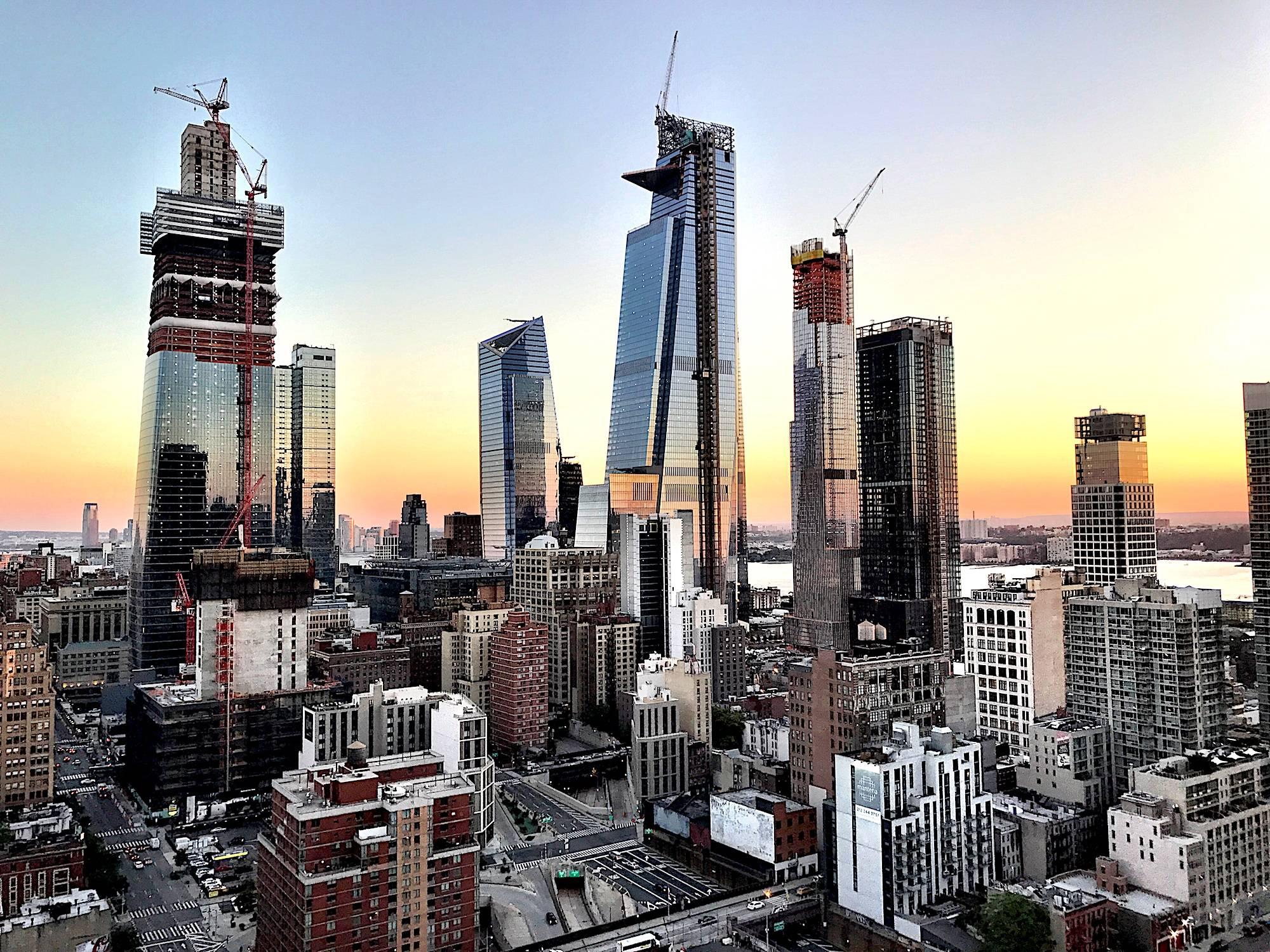 O Hudson Yards detém o título de maior empreendimento imobiliário privado da história americana, com um terreno de 113.300 m². (Crédito: divulgação).