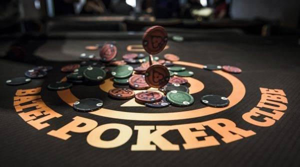 Batel Poker Clube. Foto: Leticia Akemi /Gazeta do Povo