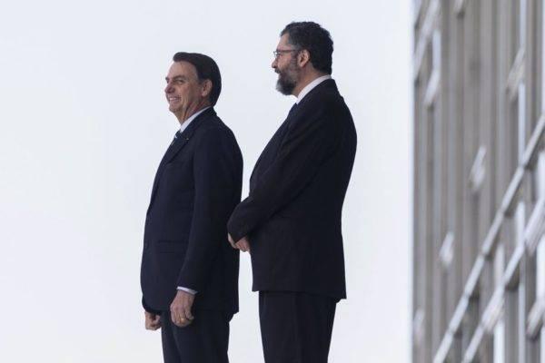 O presidente Jair Bolsonaro e o ministro das Relações Exteriores, Ernesto Araújo, buscam um posicionamento claro de defesa do ocidente liberal-conservador. Foto: Sergio Lima/AFP