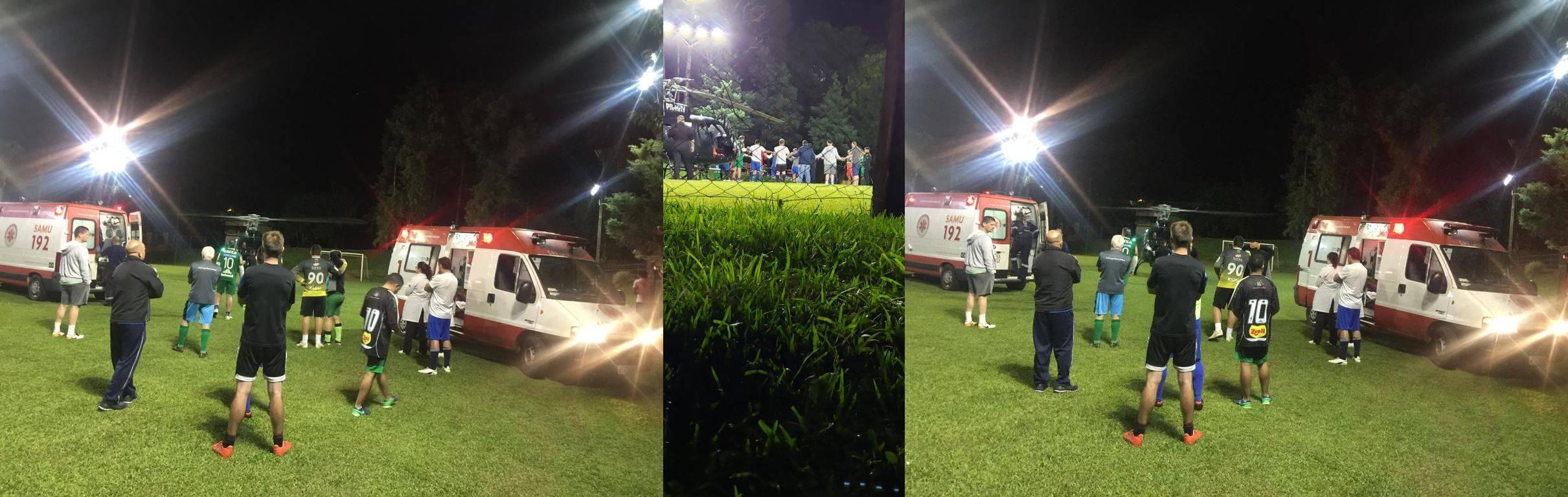 Colegas de futebol rezam para o resgate salvar o amigo Rafael Henzel (foto do meio).
