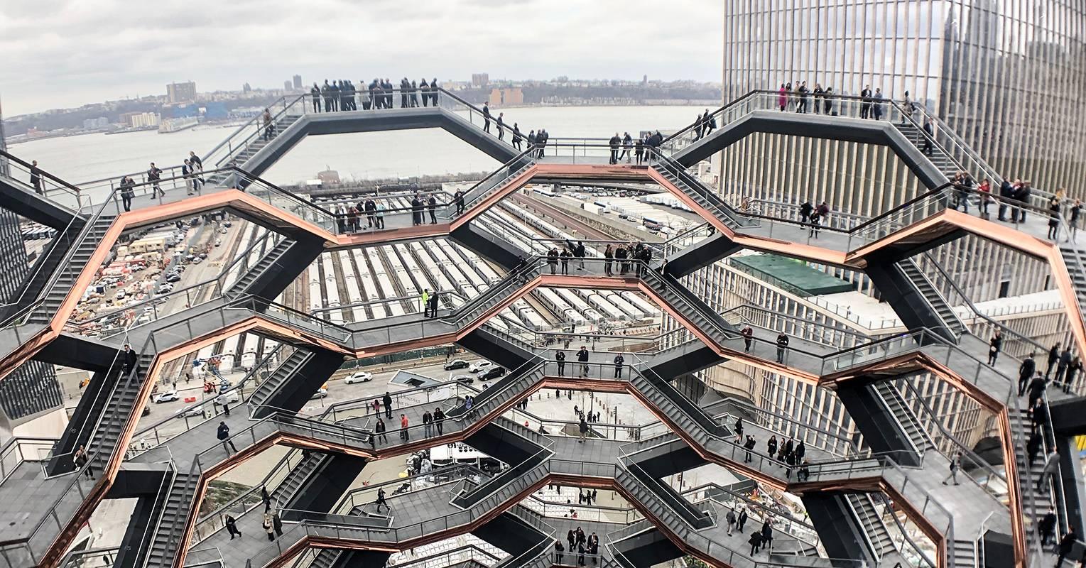 Os visitantes apreciam uma bela vista de NY  a uma altura de 46 metros. (Crédito: divulgação).