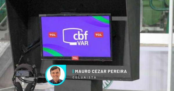 VAR no Brasil: os jogos estão perdendo a dinâmica, o que deveria servir como recurso se transformou em muleta para a equipe de arbitragem.