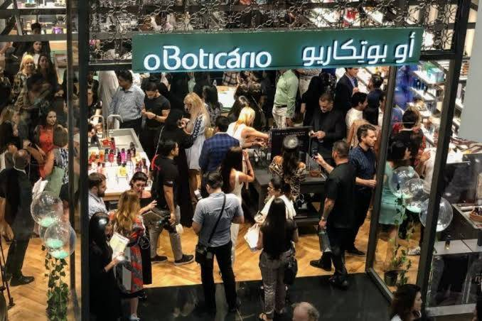 O Grupo Boticário pretende abrir cinco lojas nos Emirados Árabes Unidos. (crédito: divulgação).