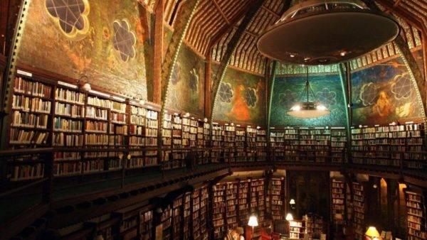 Biblioteca da sociedade de debate mais prestigiada do mundo, a Oxford Union, que faz parte do Cherwell College da Universidade de Oxford. Foto Bodleian Libraries Weblog/Reprodução