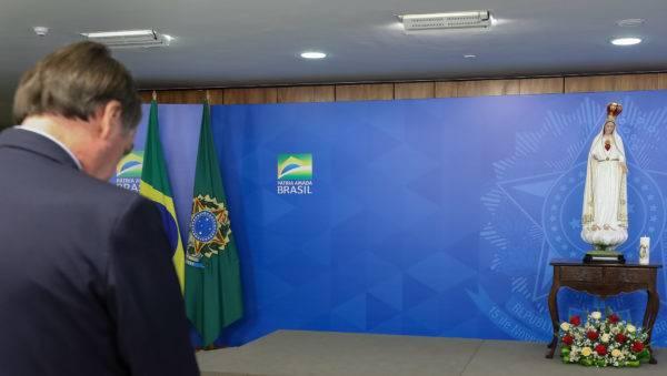 O presidente Jair Bolsonaro durante o ato de consagração do Brasil ao Imaculado Coração de Maria. Foto: Marcos Corrêa/PR
