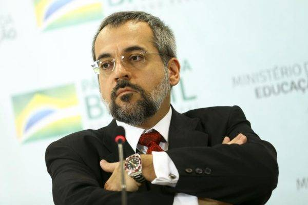 O ministro da Educação, Abraham Weintraub, comprou uma briga com as universidades. Foto: Marcelo Camargo/Agência Brasil