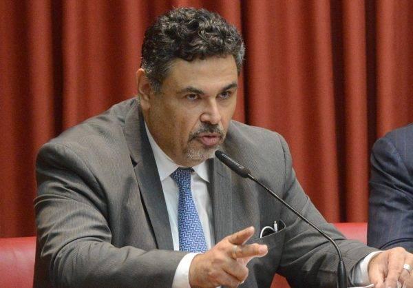 """""""Reforma política é essencial para fim da corrupção no Brasil"""", diz promotor Roberto Livianu"""