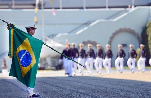 O guarda-marinha que concluir o curso da Escola Naval será nomeado 2º Tenente, posto em que se inicia a carreira de Oficial da Marinha. (Foto: Divulgação/Marinha do Brasil)
