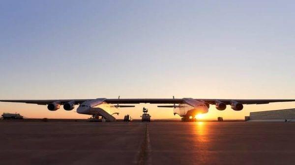 Stratolaunch: o maior avião do mundo levanta voo com sucesso