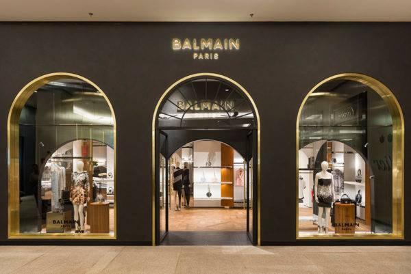 Balmain comemora a abertura da sua primeira loja no Brasil
