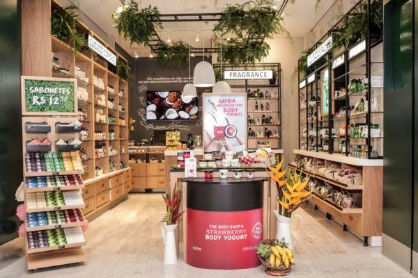 Nova loja da The Body Shop, no Shopping Mueller, em Curitiba, abre neste sábado (18). (Foto: Midori De Luca/Divulgação).